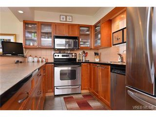 Photo 8: 301 1148 Goodwin St in VICTORIA: OB South Oak Bay Condo Apartment for sale (Oak Bay)  : MLS®# 743461