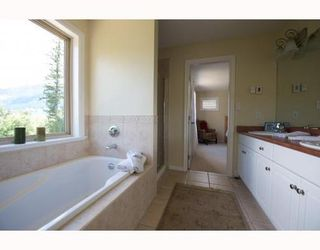 Photo 8: 1741 PINEWOOD Drive in Whistler: Home for sale : MLS®# V748011