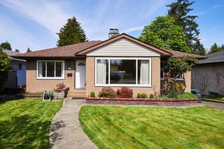 Photo 1: 327 NINTH Avenue in New Westminster: GlenBrooke North House for sale : MLS®# R2161217