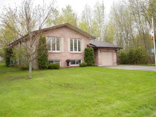 Main Photo: 39 Greenwood Crescent: Kawartha Lakes Freehold for sale : MLS®# X3801307