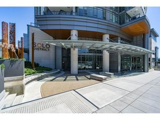 "Photo 1: 402 2008 ROSSER Avenue in Burnaby: Brentwood Park Condo for sale in ""SOLO - STRATUS"" (Burnaby North)  : MLS®# R2184327"