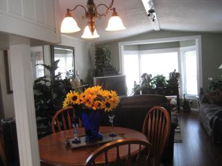 """Main Photo: 105 3300 HORN Street in Abbotsford: Central Abbotsford Manufactured Home for sale in """"Georgian Park"""" : MLS®# R2191986"""
