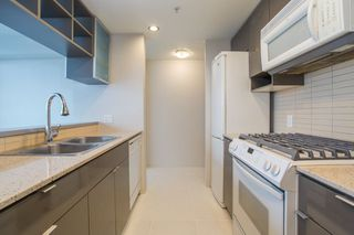 "Photo 12: 3205 928 BEATTY Street in Vancouver: Yaletown Condo for sale in ""The Max"" (Vancouver West)  : MLS®# R2244754"