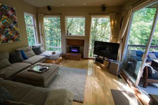 "Photo 5: 1109 PLATEAU Crescent in Squamish: Plateau House for sale in ""Plateau"" : MLS®# R2254232"