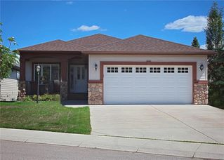 Photo 1: 15 SHEEP RIVER Heights: Okotoks House for sale : MLS®# C4174366
