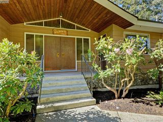 Photo 2: 665 Fairway Ave in VICTORIA: La Langford Proper House for sale (Langford)  : MLS®# 793820