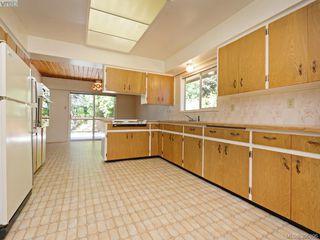 Photo 4: 665 Fairway Ave in VICTORIA: La Langford Proper House for sale (Langford)  : MLS®# 793820