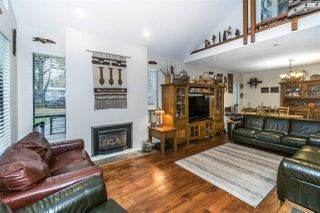 """Photo 4: 8988 ROYAL Street in Langley: Fort Langley House for sale in """"Fort Langley"""" : MLS®# R2317989"""