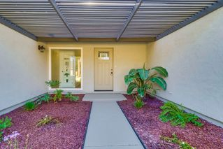 Photo 3: SAN CARLOS House for sale : 3 bedrooms : 8662 Robles Dr. in San Diego