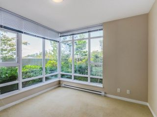 Photo 8: 104 555 DELESTRE Avenue in Coquitlam: Coquitlam West Condo for sale : MLS®# R2330761