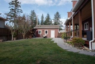 Photo 2: 5560 WINTER Road in Sechelt: Sechelt District House for sale (Sunshine Coast)  : MLS®# R2333222