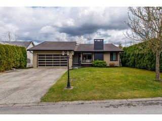 """Main Photo: 3732 DUNDEE Place in Abbotsford: Central Abbotsford House for sale in """"CHIEF DAN GEORGE AREA"""" : MLS®# R2352168"""