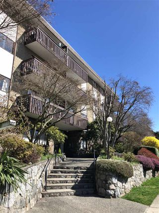 "Photo 15: 203 120 E 4TH Street in North Vancouver: Lower Lonsdale Condo for sale in ""Excelsior House"" : MLS®# R2358559"
