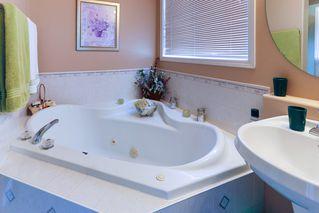 Photo 12: 16015 91 Street in Edmonton: Zone 28 House for sale : MLS®# E4165078