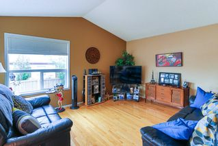 Photo 2: 16015 91 Street in Edmonton: Zone 28 House for sale : MLS®# E4165078