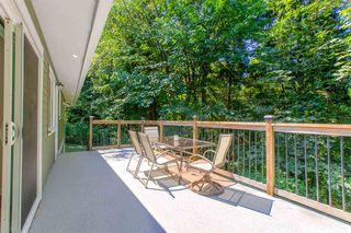 Photo 10: 1030 GATENSBURY Road in Port Moody: Port Moody Centre House for sale : MLS®# R2394825