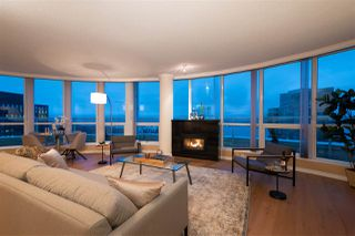 """Main Photo: 3206 1111 W PENDER Street in Vancouver: Coal Harbour Condo for sale in """"The Vantage"""" (Vancouver West)  : MLS®# R2426867"""
