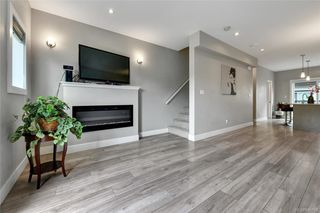 Photo 4: 109 2821 Jacklin Rd in Langford: La Langford Proper Row/Townhouse for sale : MLS®# 845096