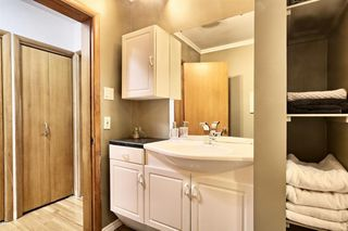 Photo 21: 4703 Chapel Road NW in Calgary: Charleswood Detached for sale : MLS®# A1041619