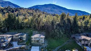 """Photo 3: 230 51075 FALLS Court in Chilliwack: Eastern Hillsides House for sale in """"Emerald Ridge"""" : MLS®# R2509536"""