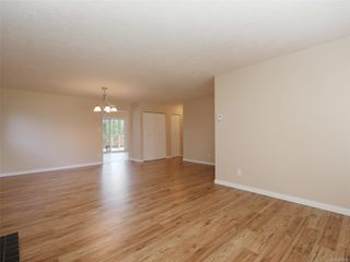 Photo 4: 708 Miller Ave in : SW Royal Oak House for sale (Saanich West)  : MLS®# 858813