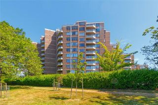Photo 6: 611 225 Belleville St in : Vi James Bay Condo for sale (Victoria)  : MLS®# 860745