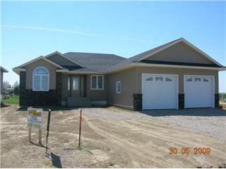 Main Photo: 105 Fairway Drive: Delisle Single Family Dwelling for sale (Saskatoon SW)  : MLS®# 332511