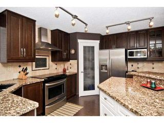 Photo 5: 139 WESTPOINT Gardens SW in CALGARY: West Springs Residential Detached Single Family for sale (Calgary)  : MLS®# C3492831