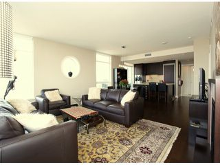 "Photo 7: 1204 15152 RUSSELL Avenue: White Rock Condo for sale in ""MIRAMAR"" (South Surrey White Rock)  : MLS®# F1408728"