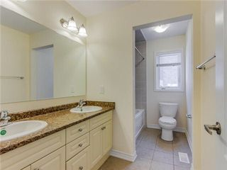 Photo 7: 19 Aldersgate Drive in Brampton: Northwest Brampton House (2-Storey) for sale : MLS®# W3127379