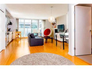 "Photo 2: 806 168 POWELL Street in Vancouver: Downtown VE Condo for sale in ""SMART"" (Vancouver East)  : MLS®# V1133294"