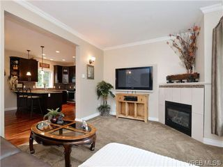 Photo 3: 765 Danby Pl in VICTORIA: Hi Bear Mountain Single Family Detached for sale (Highlands)  : MLS®# 723545