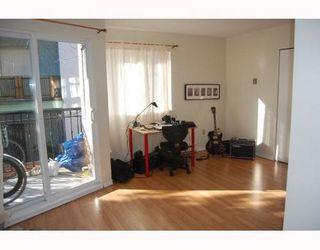 Photo 5: 304 2239 1ST Ave: Kitsilano Home for sale ()  : MLS®# V690178