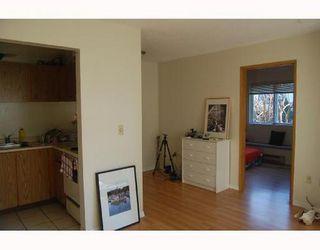 Photo 3: 304 2239 1ST Ave: Kitsilano Home for sale ()  : MLS®# V690178