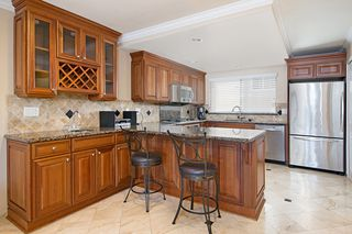 Photo 7: PACIFIC BEACH Townhome for sale : 2 bedrooms : 4092 Riviera Drive #3 in San Diego