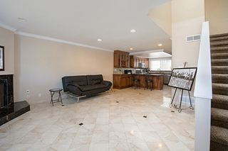 Photo 2: PACIFIC BEACH Townhome for sale : 2 bedrooms : 4092 Riviera Drive #3 in San Diego