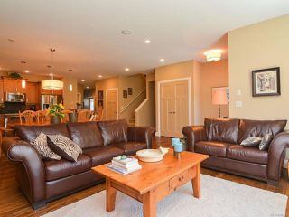 Photo 4: 105 1055 Crown Isle Dr in COURTENAY: CV Crown Isle Row/Townhouse for sale (Comox Valley)  : MLS®# 740518