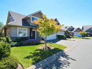 Photo 1: 105 1055 Crown Isle Dr in COURTENAY: CV Crown Isle Row/Townhouse for sale (Comox Valley)  : MLS®# 740518