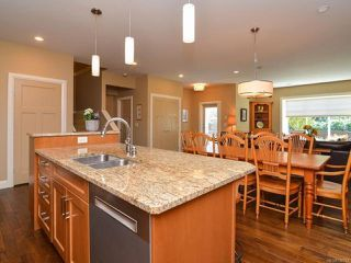 Photo 6: 105 1055 Crown Isle Dr in COURTENAY: CV Crown Isle Row/Townhouse for sale (Comox Valley)  : MLS®# 740518