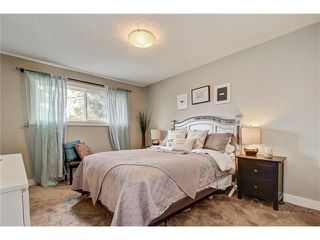 Photo 15: 544 OAKWOOD Place SW in Calgary: Oakridge House for sale : MLS®# C4084139