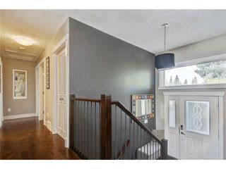 Photo 13: 544 OAKWOOD Place SW in Calgary: Oakridge House for sale : MLS®# C4084139