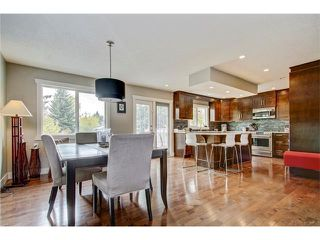 Photo 12: 544 OAKWOOD Place SW in Calgary: Oakridge House for sale : MLS®# C4084139