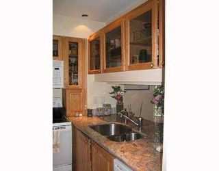 Photo 8: 302 3187 MOUNTAIN Highway in North Vancouver: Home for sale : MLS®# V754515