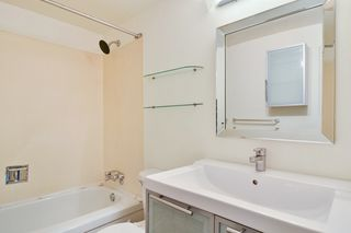 "Photo 15: 311 17661 58A Avenue in Surrey: Cloverdale BC Condo for sale in ""WYNDHAM ESTATES"" (Cloverdale)  : MLS®# R2158983"