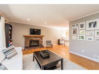 Photo 3: 1225 DORAN Road in North Vancouver: Lynn Valley House for sale : MLS®# R2201579