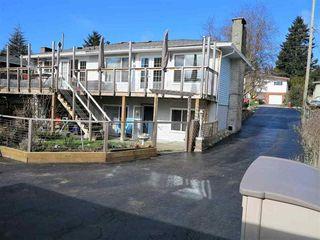 Photo 3: 13726 COLDICUTT AVENUE in South Surrey White Rock: Home for sale : MLS®# R2037381