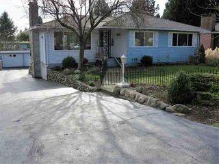 Photo 2: 13726 COLDICUTT AVENUE in South Surrey White Rock: Home for sale : MLS®# R2037381