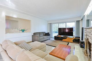 Photo 2: 3049 RENFREW Street in Vancouver: Renfrew Heights House for sale (Vancouver East)  : MLS®# R2211760