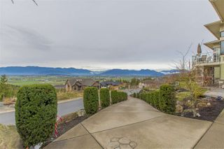 "Photo 3: 7288 MOUNT THURSTON Drive in Chilliwack: Eastern Hillsides House for sale in ""Elk Mountain Estates"" : MLS®# R2222225"