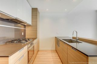 """Photo 3: 3302 4688 KINGSWAY in Burnaby: Metrotown Condo for sale in """"STATION SQUARE"""" (Burnaby South)  : MLS®# R2223914"""